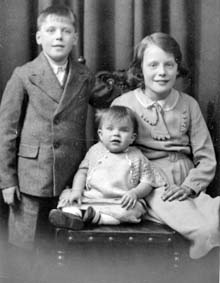 Joyce Paterson with brother and sister